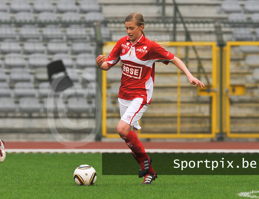 RSC Anderlecht Dames - Standard Femina de Liege : Julie Biesmans.foto DAVID CATRY / Vrouwenteam.be