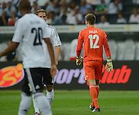 FUSSBALL Nationalmannschaft Freundschaftsspiel:  Deutschland - Argentinien             15.08.2012 ABGANG nach Roter Karte; Torwart Ron Robert Zieler (Deutschland)