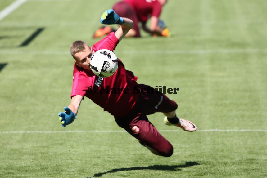 Torwart Lukas Hradecky (Eintracht Frankfurt) - Eintracht Frankfurt Training, Commerzbank Arena
