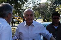 2012.08.08 - CAMPANHA ELEITORAL - JOSE SERRA - O candidato a prefeitura de São Paulo Jose Serra visita na tarde desta quarta-feira (08) Fatec na rua Ulisses Cruz, 58 Belem região leste de São Paulo.(Fotos: Amauri Nehn/Brazil Photo Press)