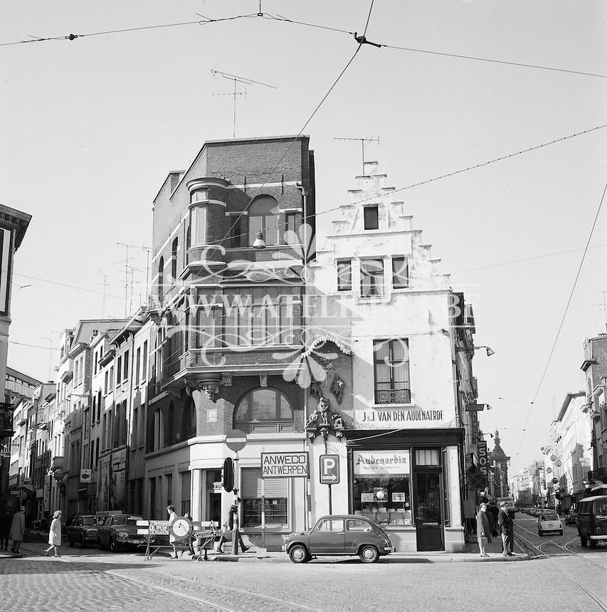 Oktober 1971. Kipdorpvest in Antwerpen.