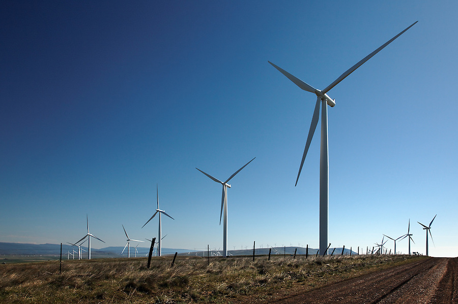 Wind turbines at Windy Flats wind farm, Haystack Butte, Columbia Hills, Goldendale, Klickitat County, Washington, USA