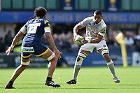 Taulupe Faletau of Bath Rugby in possession. Aviva Premiership match, between Worcester Warriors and Bath Rugby on April 15, 2017 at Sixways Stadium in Worcester, England. Photo by: Patrick Khachfe / Onside Images