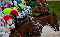 LOUISVILLE, KY - MAY 05: The horses break out of the gate during the Alysheba Stakes on Kentucky Oaks Day at Churchill Downs on May 5, 2017 in Louisville, Kentucky. (Photo by Douglas DeFelice/Eclipse Sportswire/Getty Images)