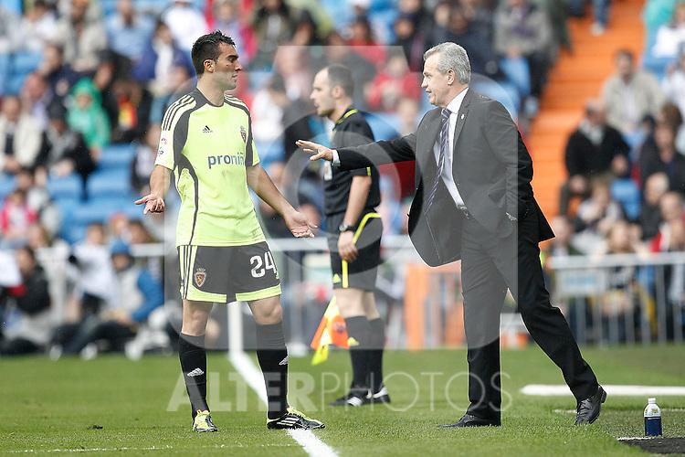 Zaragoza's coach Javier Aguirre and Ivan Obradovic during Spanish League match on April 30, 2011...Photo: Cebolla Cid-Fuentes / ALFAQUI