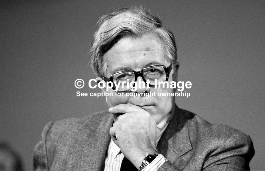 Sir Geoffrey Howe, MP, Conservative Party, Foreign Secretary, UK, at annual conference. 19871038GH1.<br />