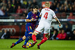 Luis Alberto Suarez Diaz of FC Barcelona (L) fights for the ball with Simon Kjaer of Sevilla FC (R) during the La Liga 2017-18 match between FC Barcelona and Sevilla FC at Camp Nou on November 04 2017 in Barcelona, Spain. Photo by Vicens Gimenez / Power Sport Images