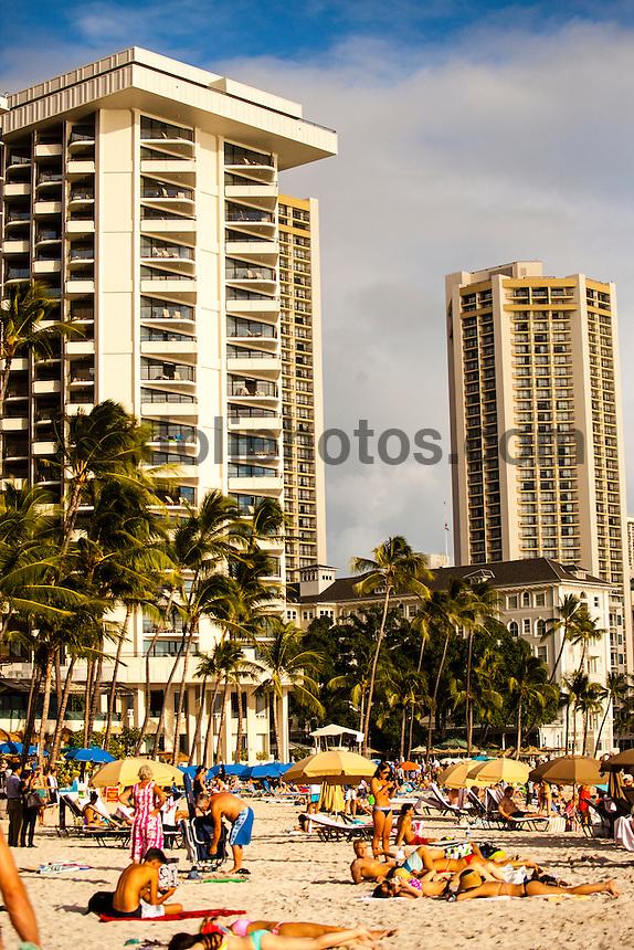 HONOLULU, Waikiki, Oahu. - (Friday, December 21, 2012) --The tourist spot of Waikiki was busy today with Christmas holiday crowds. Photo: joliphotos.com