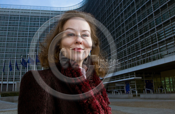 BRUSSELS  -  BELGIUM  - 17 FEBRUARY 2011 -- Journalist Annamari Sipilä, the Brussels based EU correspondent for the Finnish daily newspaper Helsingin Sanomat, infront of the Berlaymont building the Hq of the European Commission. -- PHOTO: Juha ROININEN / EUP-Images.kirjeenvaihtajapäivät - kirjeenvaihtaja kokonaisuus julkaisu 2.3.2011.HSUL  200111702
