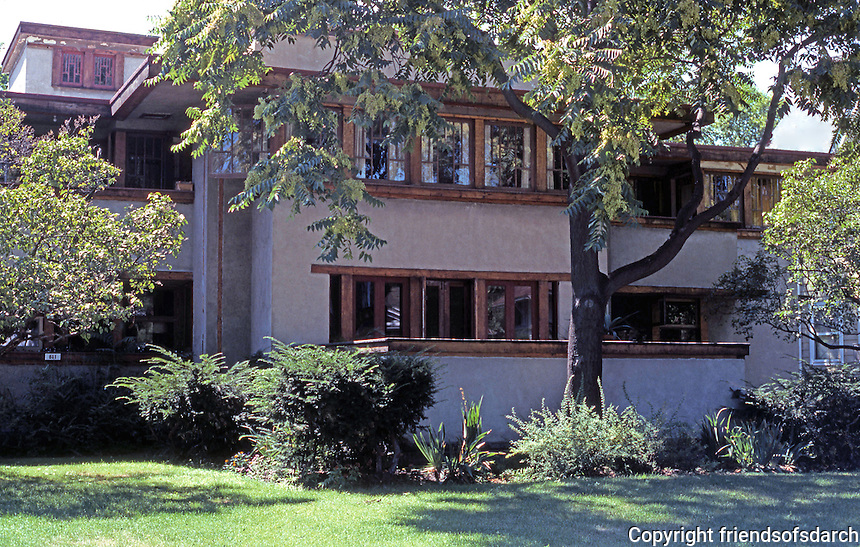 F.L. Wright: Balch House, Oak Park. 1911  Photo '76.