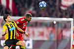 07.11.2018, Allianz Arena, Muenchen, GER, UEFA CL, FC Bayern Muenchen (GER) vs AEK Athen (GRC), Gruppe E, UEFA regulations prohibit any use of photographs as image sequences and/or quasi-video, im Bild Lucas Boye (AEK Athen #31) im kampf mit Jerome Boateng (FCB #17) <br /> <br /> Foto © nordphoto / Straubmeier
