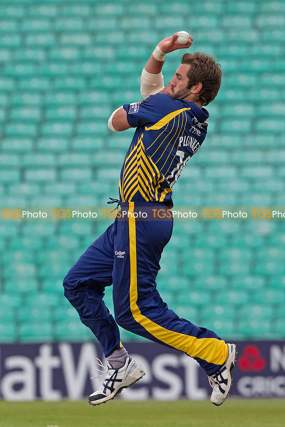 Liam Plunkett, Durham CCC in action - Surrey Lions vs Durham Dynamos - Clydesdale Bank CB40 Cricket at The Kia Oval, London - 20/05/12 - MANDATORY CREDIT: Ray Lawrence/TGSPHOTO - Self billing applies where appropriate - 0845 094 6026 - contact@tgsphoto.co.uk - NO UNPAID USE.