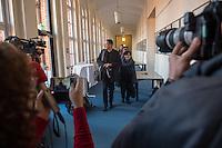 Koalitionsverhandlung zwischen SPD, Gruenen und Linkspartei zur Bildung einer Koalitionsregierung in Berlin.<br /> Am Montag den 10. Oktober 2016 setzte die Berliner SPD mit den Vertretern der Gruenen und der Linkspartei die Verhandlungen fuer eine Rot-Rot-Gruene Koalition in Berlin fort.<br /> Im Bild Mitglieder der Linkspartei. Vorne: Klaus Lederer, Landesvorsitzender und Dagmar Pohle.<br /> 10.10.2016, Berlin<br /> Copyright: Christian-Ditsch.de<br /> [Inhaltsveraendernde Manipulation des Fotos nur nach ausdruecklicher Genehmigung des Fotografen. Vereinbarungen ueber Abtretung von Persoenlichkeitsrechten/Model Release der abgebildeten Person/Personen liegen nicht vor. NO MODEL RELEASE! Nur fuer Redaktionelle Zwecke. Don't publish without copyright Christian-Ditsch.de, Veroeffentlichung nur mit Fotografennennung, sowie gegen Honorar, MwSt. und Beleg. Konto: I N G - D i B a, IBAN DE58500105175400192269, BIC INGDDEFFXXX, Kontakt: post@christian-ditsch.de<br /> Bei der Bearbeitung der Dateiinformationen darf die Urheberkennzeichnung in den EXIF- und  IPTC-Daten nicht entfernt werden, diese sind in digitalen Medien nach §95c UrhG rechtlich geschuetzt. Der Urhebervermerk wird gemaess §13 UrhG verlangt.]