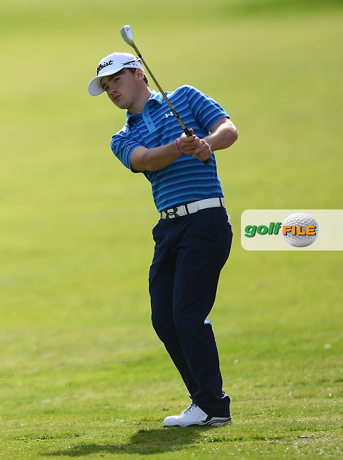 Callum McPhillips chips during the Peter McEvoy Trophy, Copt Heath Golf Club, 1220 Warwick Road, Knowle, Solihull, West Midlands, B93 9LN, England.<br /> Picture: Richard Martin Roberts / Golffile