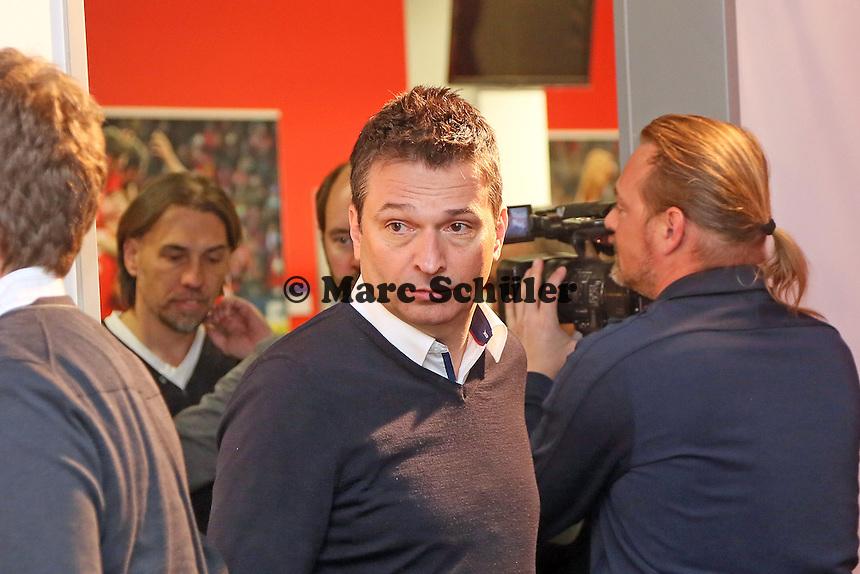 Manager Christian Heiden kommt zur Vorstellung von Trainer Martin Schmidt (Mainz 05)- 1. FSV Mainz 05 Trainervorstellung Martin Schmidt, Coface Arena