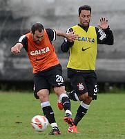 SÃO PAULO,SP, 26 Junho 2013 -  Danilo  durante treino do Corinthians no CT Joaquim Grava na zona leste de Sao Paulo, onde o time se prepara  para o campeonato brasileiro. FOTO ALAN MORICI - BRAZIL FOTO PRESS