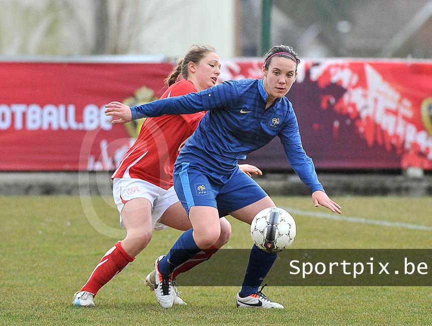 Switzerland U19 - France U19 : Clarisse Le Bihan has the control of the ball.foto DAVID CATRY / Nikonpro.be