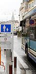 20080109 - France - Aquitaine - Pau<br /> TOUT LE CENTRE-VILLE DE PAU EST INTERDIT AUX VOITURES : SEULS PASSENT LES BUS, NAVETTES GRATUITES, VELOS ET PIETONS.<br /> Ref : CENTRE_PIETONNIER_004.jpg - © Philippe Noisette.