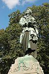 Statue of Friedrich von Schiller, german poet and dramatist (1759-1805), in Mainz, Rheinland Pfalz, Germany<br /> <br /> Monumento a Friedrich von Schiller, poeta y dramaturgo alem&aacute;n (1759-1805), en Maguncia, Rheinland-Pfalz, Alemania<br /> <br /> Denkmal f&uuml;r Friedrich von Schiller, deutscher Dichter und Dramatiker (1759-1805), in Mainz, Rheinland-Pfalz, Deutschland<br /> <br /> 3008 x 2000 px<br /> 150 dpi: 50,94 x 33,87 cm<br /> 300 dpi: 25,47 x 16,93 cm