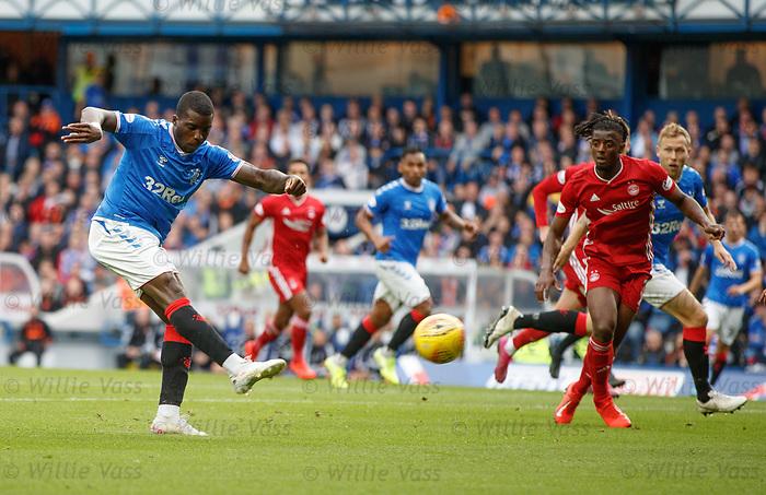 28.09.2018 Rangers v Aberdeen: Sheyi Ojo shoots over the bar