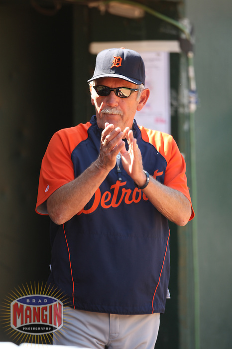 OAKLAND, CA - AUGUST 23:  Manager Jim Leyland #10 of the Detroit Tigers talks to his team in the dugout during the game against the Oakland Athletics at the Oakland-Alameda County Coliseum on August 23, 2009 in Oakland, California. Photo by Brad Mangin
