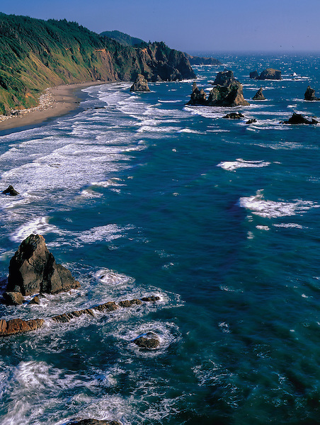Seastacks along the Pacific coast, Oregon John offers private photo tours in Washington and throughout Colorado. Year-round.