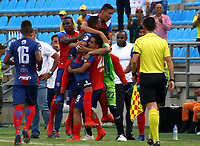 SANTA MARTA- COLOMBIA, 03-03-2019: Edisson Restrepo jugador del Unión Magdalena celebra después de anotar un gol al Deportivo Pasto  durante partido por fecha 8 de la Liga Águila I 2019 jugado en el estadio Sierra Nevada de la ciudad de Santa Marta. / Edisson Restrepo  player of Union Magadalena   celebrates after scoring a goal agaisnt of Deportivo Pasto  during match for the date 8 as part of the  Aguila League  I 2019 played at the Sierra Nevada Stadium in Santa Marta  city. Photo: VizzorImage / Gustavo Pacheco / Contribuidor