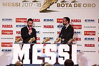 BARCELONA, ESPANHA, 18.12.2018 - FUTEBOL-MESSI - Lionel Messi do FC Barcelona posa com suas cinco premiações de chuteira dourada na Europa depois de receber a premiação 2017-18 European Golden Shoe pela quinta vez durante a Cerimônia de Premiação da Chuteira Dourada em 18 de dezembro de 2018 em Barcelona, Espanha nesta terça-feira, 18 (Foto: Beto Fotografo/Brazil Photo Press)