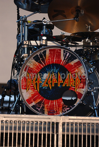 "23 June 2005 - Pittsburgh, PA. - Joe Elliott of the band 'Def Leppard' performs during a tour stop on their ""25th Anniversary Tour"" held at the Chevrolet Ampitheater at Station Square. Photo Credit: Laura Farr/AdMedia"