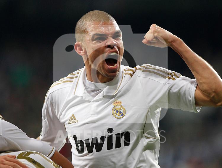 Madrid (14/04/2012).- Estadio Santiago Bernabeu..Liga BBVA.Real Madrid - Sporting de Gijon..Pepe celebracion...Photo: Alex Cid-Fuentes / ALFAQUI..