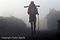 fecha:29-08-08 Lugar: Carretera de Portomarin.<br /> Peregrinos camino frances