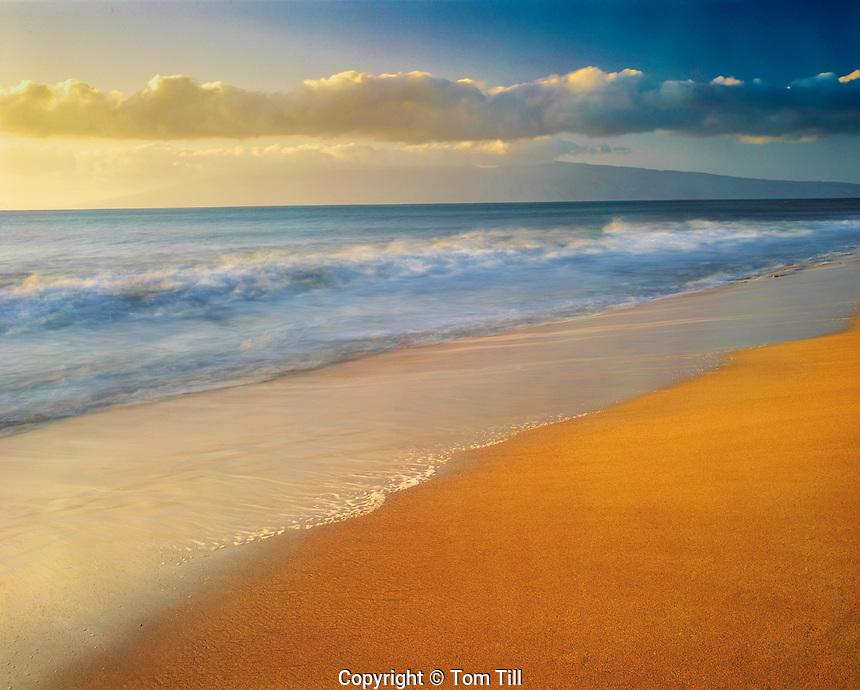 Ka'anapali Beach, Island of Maui, Hawaii      Molokai Island beyond, One of Hwaii's most beautiful beaches