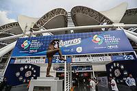 Estatua de el pitcher mexicano Fernado Valenzuela en la fachada del Estadio Olimpico Panamericano o Estadio Charros de Jalisco para el Classic World Baseball 2017. <br /> <br /> Aspectos del partido Mexico vs Italia, durante Cl&aacute;sico Mundial de Beisbol en el Estadio de Charros de Jalisco.<br /> Guadalajara Jalisco a 9 Marzo 2017 <br /> Luis Gutierrez/NortePhoto.com