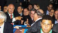 SAO PAULO, SP, 01 DEZEMBRO  2012 - SORTEIO COPA DAS CONFEDERACOES  - O treinador da selecao brasileira Luiz Felipe Scolari e o coordenador Carlos Alberto Parreira e visto durante sorteio dos grupos neste  sabado no Parque Anhembi regiao norte da capital paulista. FOTo: WILLIAM VOLCOV - BRAZIL PHOTO PRESS.