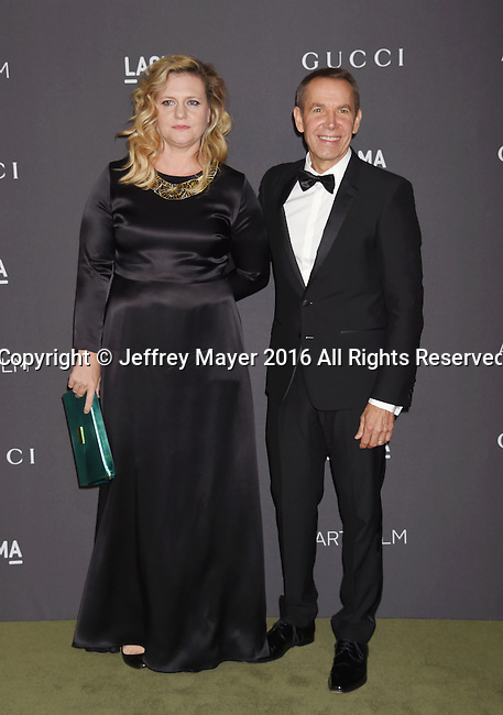 LOS ANGELES, CA - OCTOBER 29: Artists Justine Koons (L) and Jeff Koons attend the 2016 LACMA Art + Film Gala honoring Robert Irwin and Kathryn Bigelow presented by Gucci at LACMA on October 29, 2016 in Los Angeles, California.