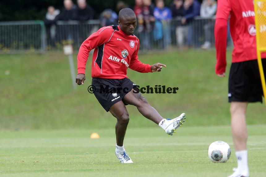 Constant Djakpa (Eintracht) - Eintracht Frankfurt Trainingsauftakt