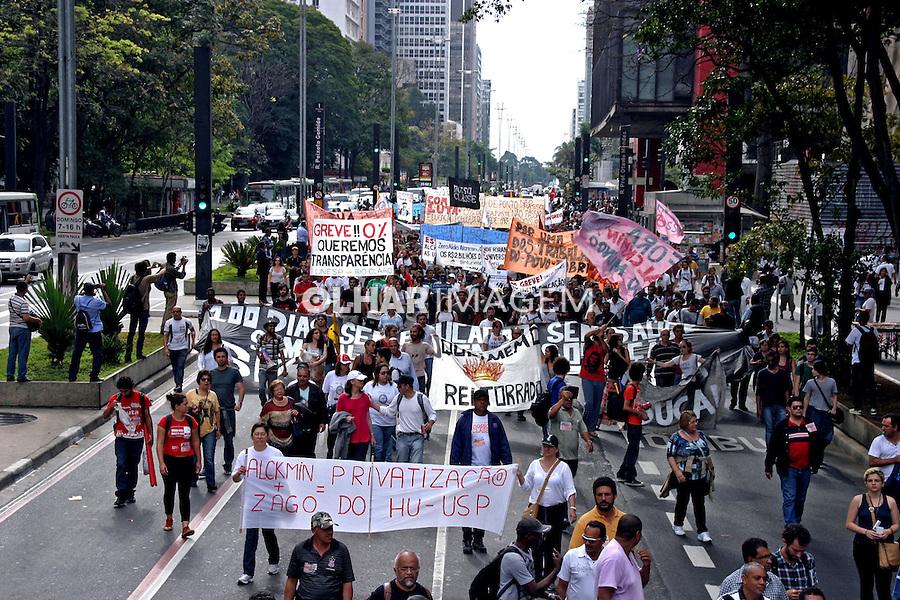 Manifestaçao de funcionarios, docentes e alunos das universidades publicas USP, UNESP, UNICAMP. Sao Paulo. 2014. Foto de Lineu Kohatsu.