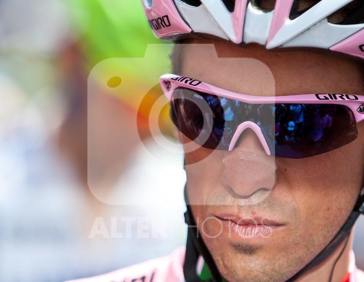 21.05.2011, Hauptplatz Lienz, AUT, Giro d´ Italia 2011, 14. Etappe, Lienz - Monte Zoncolan, im Bild Alberto Contador (ESP) Saxo Bank Sungard // during the Giro d´ Italia 2011, Stage 14, Lienz - Monte Zoncolan,Austria, 2011-05-21, EXPA Pictures © 2011, PhotoCredit: EXPA/ J. Feichter