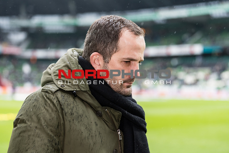10.02.2019, Weserstadion, Bremen, GER, 1.FBL, Werder Bremen vs FC Augsburg<br /> <br /> DFL REGULATIONS PROHIBIT ANY USE OF PHOTOGRAPHS AS IMAGE SEQUENCES AND/OR QUASI-VIDEO.<br /> <br /> im Bild / picture shows<br /> Manuel Baum (Trainer / Head Coach FC Augsburg), <br /> <br /> Foto © nordphoto / Ewert