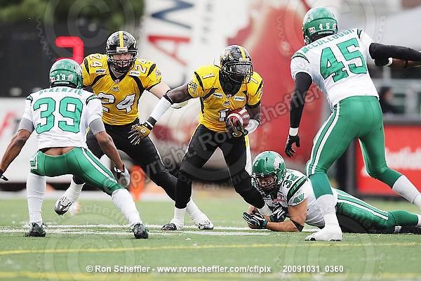 October 31, 2009; Hamilton, ON, CAN;  Hamilton Tiger-Cats wide receiver Kevin Robinson (1). CFL football: Saskatchewan Roughriders vs. Hamilton Tiger-Cats at Ivor Wynne Stadium. The Tiger-Cats defeated the Roughriders 24-6. Mandatory Credit: Ron Scheffler. Copyright (c) 2009 Ron Scheffler.
