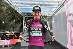 Maglia Ciclamino Pascal Ackermann (GER) Bora-Hansgrohe at sign on before Stage 5 of the 2019 Giro d'Italia, running 140km from Frascati to Terracina, Italy. 15th May 2019<br /> Picture: Massimo Paolone/LaPresse | Cyclefile<br /> <br /> All photos usage must carry mandatory copyright credit (© Cyclefile | Massimo Paolone/LaPresse)