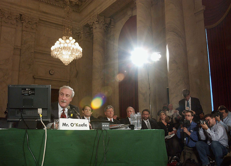 2/12/03.JOINT HEARING ON SPACE SHUTTLE COLUMBIA ACCIDENT--NASA Administrator Sean O'Keefe testifies during a joint hearing of Senate Commerce and House Science Subcommittee on Space and Aeronautics to examine the recent space shuttle Columbia accident. CONGRESSIONAL QUARTERLY PHOTO BY SCOTT J. FERRELL