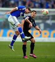 FUSSBALL   1. BUNDESLIGA   SAISON 2012/2013    27. SPIELTAG FC Schalke 04 - TSG 1899 Hoffenheim                       30.03.2013 Benedikt Hoewedes (FC Schalke 04) gegen Kevin Volland (re, TSG 1899 Hoffenheim)