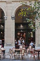 Europe/Espagne/Guipuscoa/Pays Basque/Saint-Sébastien: Terrasse du café Bideluz -  place de Guipuzcoa