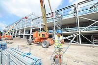 SCHAATSEN: HEERENVEEN: IJsstadion Thialf, 10-07-2015, Ver(nieuw)bouw, ©foto Martin de Jong