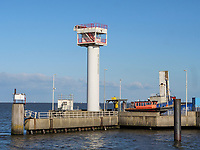 Fährhafen in Cuxhaven, Niedersachsen, Deutschland, Europa<br /> Ferry Port in Cuxhaven, Lower Saxony, Germany, Europe