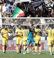 Calcio, Serie A: Reggio Emilia, Mapei stadium, 17 settembre 2017.<br /> Juventus' players celebrate after winning 3-1 the Italian Serie A football match between Sassuolo and Juventus at Reggio Emilia's Mapei stadium, September 17, 2017.<br /> UPDATE IMAGES PRESS/Isabella Bonotto