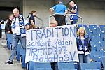 Ein Fan mit einem Plakat beim Spiel in der Fussball Bundesliga, TSG 1899 Hoffenheim - Hamburger SV.<br /> <br /> Foto &copy; PIX-Sportfotos *** Foto ist honorarpflichtig! *** Auf Anfrage in hoeherer Qualitaet/Aufloesung. Belegexemplar erbeten. Veroeffentlichung ausschliesslich fuer journalistisch-publizistische Zwecke. For editorial use only.