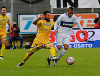 Oliver Kragl fight for the ball with Jonathan Biabiany  during the  italian serie a soccer match,between Frosinone and Inter      at  the Matusa   stadium in Frosinone  Italy , April 09, 2016