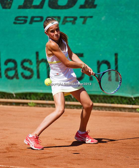 05-08-13, Netherlands, Dordrecht,  TV Desh, Tennis, NJK, National Junior Tennis Championships,    Julie Belgraver<br /> <br /> <br /> Photo: Henk Koster